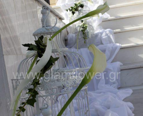 af3a39b385ce Διακόσμηση γάμου μπεζ χρυσό.Πανέμοσφη νυφική ανθοδέσμη με λευκές ...