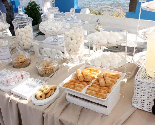 Καλοκαιρινός γάμος στη Χαλκιδική - beach bar Kudu