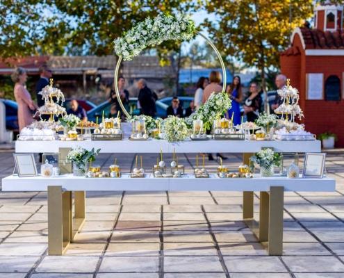 Στολισμός γάμου candy table